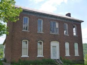 Batesville, OH:  Abandoned 1840s Farm House 5/27/10